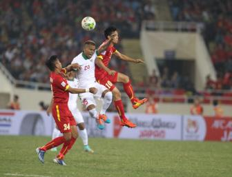 <b style='background-color:Yellow'>Viet Nam vs Indonesia</b>: Choi bai ngua