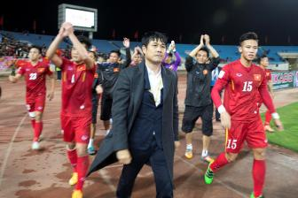 <b style='background-color:Yellow'>Huu Thang</b> duoc lanh dao VFF bao ve sau that bai tai AFF Cup 2016