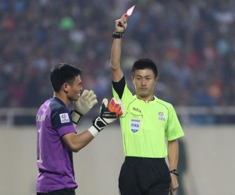 <b style='background-color:Yellow'>Nguyen Manh</b> len tieng xin loi ve the do tran gap Indonesia tai AFF Cup
