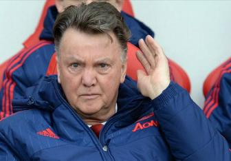 Dau hang <b style='background-color:Yellow'>Top 4</b>, Louis van Gaal ve duong tat du Champions League