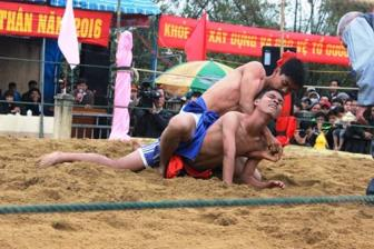 Annual wrestling festival opens in Sinh Village