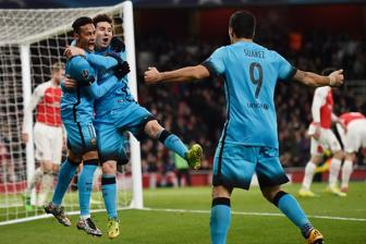 Video luot di vong 1/8 Champions League: <b style='background-color:Yellow'>Arsenal 0-2 Barcelona</b>