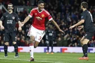 Video luot ve vong 1/16 Europa League: <b style='background-color:Yellow'>Man United 5-1 Midtjylland</b>