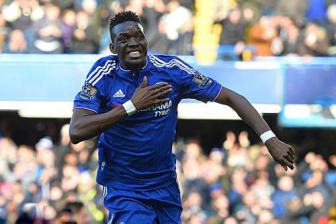 Chelsea 1-1 Stoke: Willian hai <b style='background-color:Yellow'>The Blues</b>