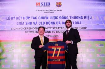 Chu tich <b style='background-color:Yellow'>Do Quang Hien</b> hy vong Barcelona den Viet Nam vao nam 2017