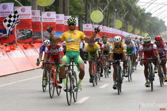 Tam wins second stage of HCM City Television Cycling Cup