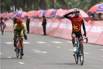 Tung wins eighth stage of HCM City cycling event