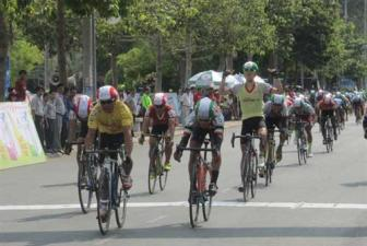 Tung jumps to top of cycling tour after strong finish