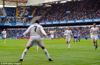 <b style='background-color:Yellow'>Lap cu dup</b> vao luoi Deportivo, Cristiano Ronaldo lap ky luc khung