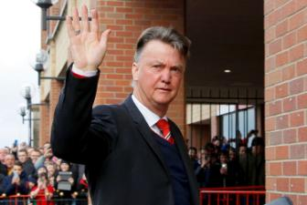 <b style='background-color:Yellow'>Louis van Gaal</b> xuc dong noi loi chia tay Man United
