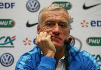 <b style='background-color:Yellow'>Didier Deschamps</b> va noi lo hang thu
