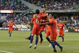Ha <b style='background-color:Yellow'>Colombia</b> trong tran 'thuy chien', Chile gap lai Argentina o chung ket Copa America