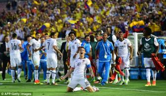 <b style='background-color:Yellow'>James Rodriguez</b> ruc sang, Colombia gianh ve dau tien vao tu ket