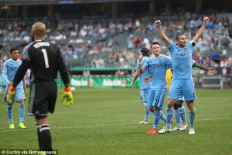 Lap hat-trick vao luoi Tim Howard, Frank Lampard di vao lich su <b style='background-color:Yellow'>New York City</b>