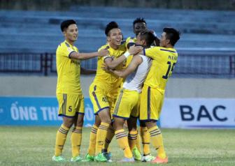 <b style='background-color:Yellow'>V.League 2016</b> ngay cang hap dan den 'dien ro'