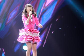 "Me ""pinkgirl"" Kim Anh – The Voice Kids cam on du luan vi da ""tao ap luc"""