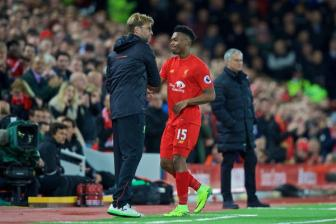 02h45 ngay 12/1, Southampton vs Liverpool: Am anh Manchester