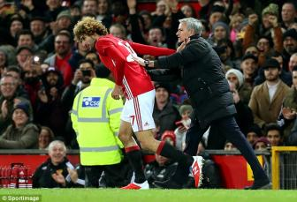 Thang Hull, Jose Mourinho chi hai long ve ket qua va Fellaini