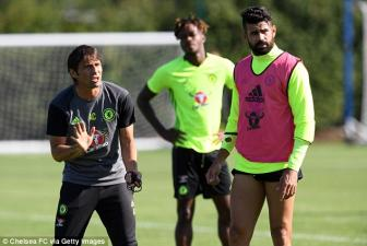<b style='background-color:Yellow'>Antonio Conte</b> se trung phat Diego Costa !?