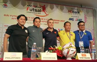 DT Viet Nam quyet gianh ve vao chung ket <b style='background-color:Yellow'>giai Futsal vo dich DNA 2017</b>