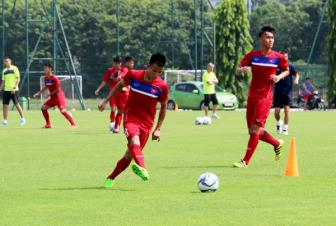 HLV <b style='background-color:Yellow'>Hoang Anh Tuan</b> quyet cung U19 Viet Nam doat ve du World Cup