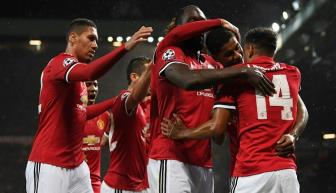 Luot tran thu 4 vong bang Champions League: Ve som cho Manchester