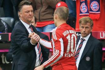 <b style='background-color:Yellow'>Bayern Munich</b> tinh moi Louis van Gaal ve chua chay