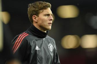 <b style='background-color:Yellow'>Victor Lindelof</b> tiet lo ve moi quan he voi Jose Mourinho