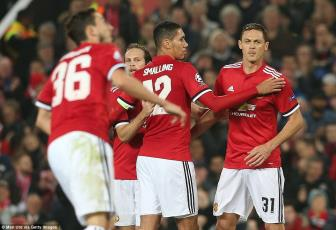 Man United 2-0 <b style='background-color:Yellow'>Benfica</b>: Niem vui chua tron ven