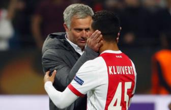 <b style='background-color:Yellow'>Con trai</b> Patrick Kluivert lot vao 'mat xanh' cua Jose Mourinho