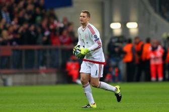 Manuel <b style='background-color:Yellow'>Neuer</b> coi tran dau voi Arsenal nhu mot ky nghi