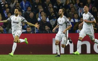 <b style='background-color:Yellow'>Luot di</b> vong 1/8 Champions League: Porto 0-2 Juventus