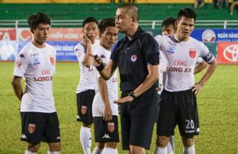 <b style='background-color:Yellow'>V.League 2017</b>: 'Noi canh' van con 'sau'?