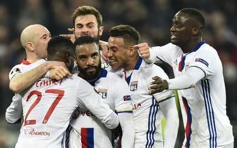 <b style='background-color:Yellow'>Luot di</b> vong 1/8 Europa League: Lyon 4-2 AS Roma