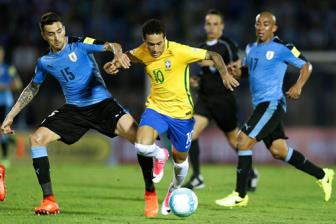 <b style='background-color:Yellow'>Vong loai World Cup</b> 2018: Uruguay 1-4 Brazil