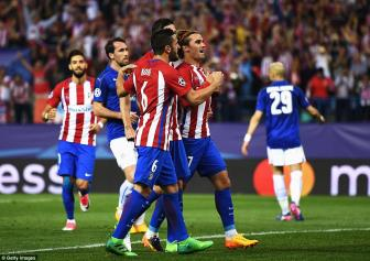 <b style='background-color:Yellow'>Antoine Griezmann</b> ghi ban tranh cai, Atletico thang nhe Leicester