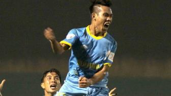 <b style='background-color:Yellow'>Truc tiep</b> TPHCM vs S.Khanh Hoa vong 13 Toyota V.League 2017