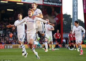 <b style='background-color:Yellow'>Bournemouth</b> 1-3 Chelsea: Lai mac bay Conte