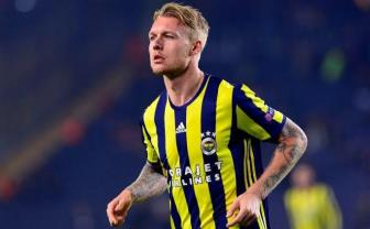 <b style='background-color:Yellow'>Arsenal</b> chi 10 trieu bang tranh Simon Kjaer voi Liverpool