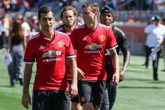 <b style='background-color:Yellow'>Mourinho</b> dung bai cu voi Mkhitaryan ap dung cho Victor Lindelof