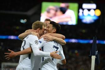 Totte<b style='background-color:Yellow'>nha</b>m 3-1 Dortmund: Son Heung-min va Harry Kane dua nu cuoi ve Wembley