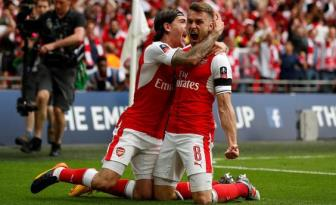Aaron <b style='background-color:Yellow'>Ramsey</b> hoi tu cac pham chat de tro thanh thu linh Arsenal