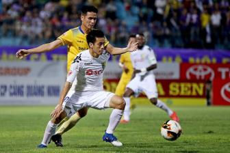 <b style='background-color:Yellow'>Ha Noi FC</b> va Long An cung ton that luc luong truoc vong 17