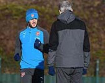<b style='background-color:Yellow'>HLV Wenger</b> he lo thu quan tuong lai cua Arsenal