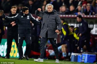 <b style='background-color:Yellow'>Man United</b> chinh thuc 'troi chan' thanh cong Jose Mourinho