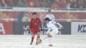 <b style='background-color:Yellow'>Xuan Truong</b> khong muon so sanh voi Andrea Pirlo, thuong hoi y kien Duc Huy