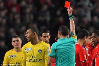 <b style='background-color:Yellow'>Mbappe</b> linh the do, PSG hu hon vao chung ket Cup Lien doan