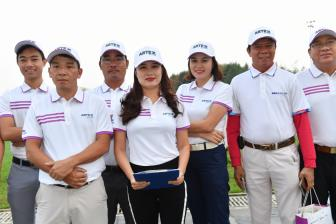 Hon 1.000 golfer tranh tai o giai Artex Golf Tournament Plus 2018