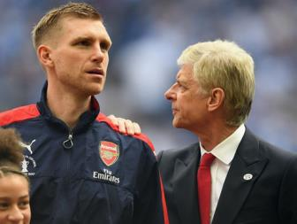 <b style='background-color:Yellow'>Wenger</b> tro lai cam quan o Duc
