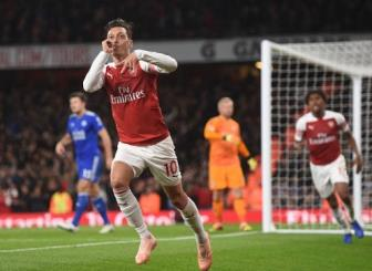 <b style='background-color:Yellow'>Arsenal</b> 3-1 Leicester: Thang hoa kho cuong